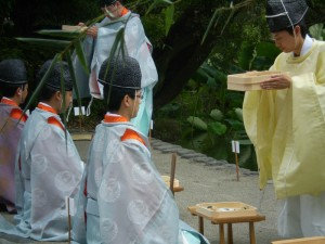 kamakura_pretres_purification02
