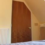 chambre_hotel_porte_salle_de_bain
